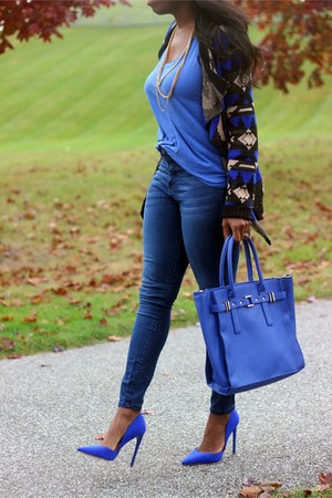 blue satchel JustFab bag - navy high waisted JustFab jeans