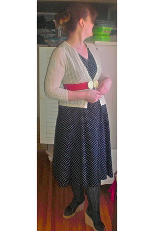polka dot vintage dress - vintage cardigan - vintage belt