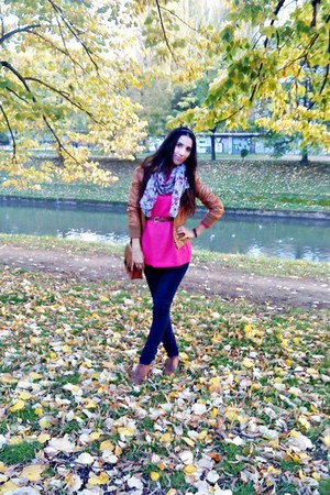 black leggings - burnt orange shoes - burnt orange jacket - hot pink sweater