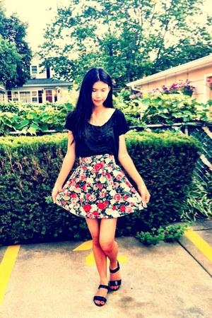 red high-waist H&M skirt