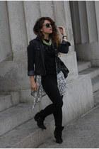 gray Gap jacket - black Nasty Gal boots - gray Quay Australia sunglasses