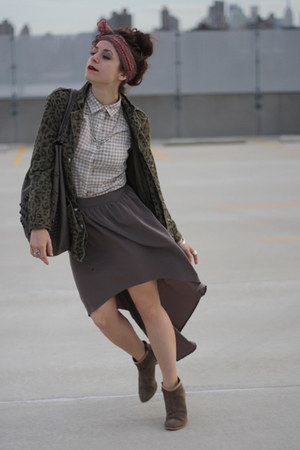 light brown Forever 21 skirt - dark brown Lulus boots - light brown Uniqlo shirt
