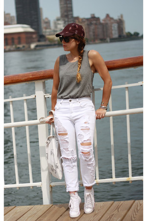 white ripped CarMar jeans - maroon madewell hat