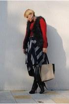 COS skirt - H&M vest