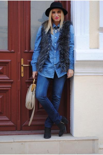 H&M vest - Topshop boots - Massimo Dutti shirt - Miu Miu bag