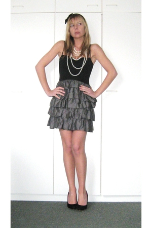 black unknown shoes - white H&M necklace - gray H&M dress - black Accessorize ac
