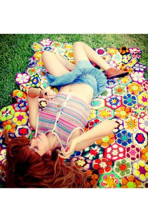 pink Liz Wear vest - sky blue skirt - tawny Minnetonka sandals