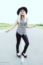 black 100 silk Dana Buchman vest - black Amanda Smith hat