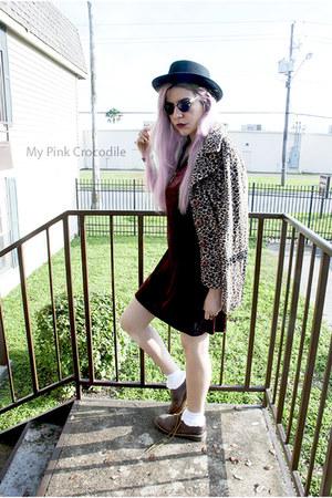 crimson velvet vintage dress - light brown Dr Martens shoes - tan vintage jacket