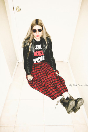 red 100 rayon Chaus skirt - black Dr Martens boots