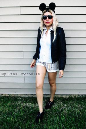 black Superga shoes - black vintage jacket - beige Guess shorts