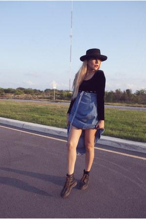 sky blue vintage dress - black Dr Martens boots - black hat
