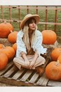 Burnt-orange-minnetonka-boots-tan-vintage-dress-camel-hat