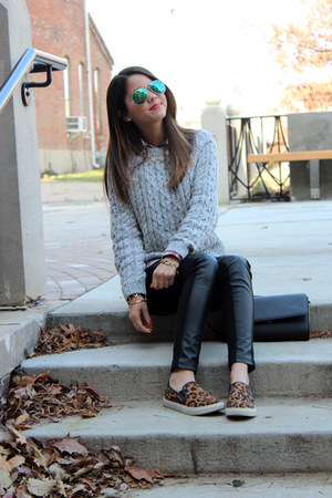 plaid Forever 21 shirt - leopard print Target shoes - H&M sweater - H&M leggings
