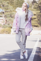 bubble gum romwe jacket - white K-Swiss sneakers