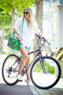 Green-chicnova-bag-sky-blue-awwdore-shorts-black-ray-ban-sunglasses