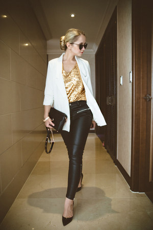 black Rebecca Minkoff bag - white Chicwish blazer - black zeroUV sunglasses