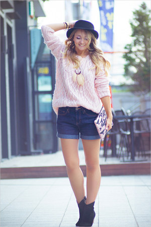 light pink WOAKAO sweater - black WOAKAO boots - light pink BRIANNEFAYE bag