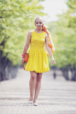 light yellow asos dress - orange Miss Nabi bag - neutral OASAP heels