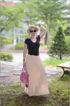 bubble gum balenciaga bag - black Ray Ban sunglasses - cream asos ring - black F