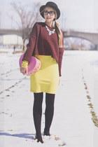 white Chicwish necklace - maroon Chicwish sweater - black zeroUV glasses