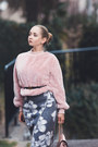 Light-pink-romwe-sweater-black-gucci-belt