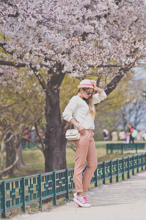 white OASAP sweater - ivory Mart of China bag - white zeroUV sunglasses