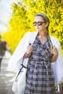 Black-chicwish-coat-white-equipment-blazer-white-chicwish-bag