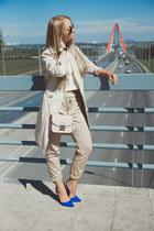 blue sam edelman heels - black ray-ban sunglasses