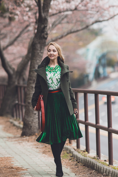 red Rebecca Minkoff bag - green romwe blouse - green romwe skirt