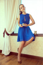 blue Love dress - burnt orange Miss Nabi heels - silver tiffany&co necklace