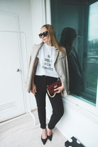 ruby red Styled Moscow bag - tan Styled Moscow blazer
