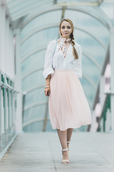 light pink romwe skirt - sky blue cambridge satchel bag