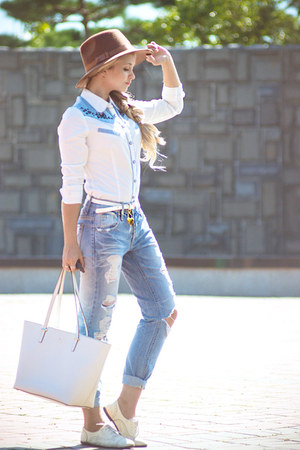white kate spade bag - light blue similar 8 seconds jeans