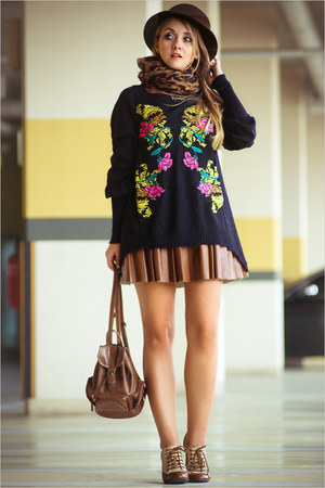 brown Chicwish dress - black Chicwish sweater - gold oNecklace necklace