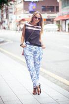 bubble gum balenciaga bag - dark brown Celine sunglasses - black julien top