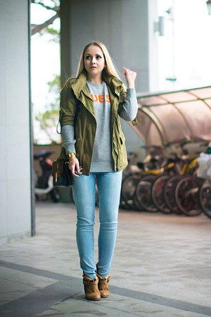 bronze asos boots - sky blue Forever 21 jeans - silver Guess sweater