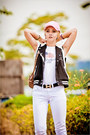 White-maro-catte-jeans-black-forever-21-jacket-white-converse-sneakers