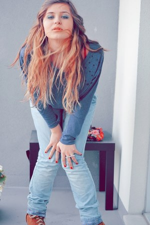 light blue jeans - navy blouse