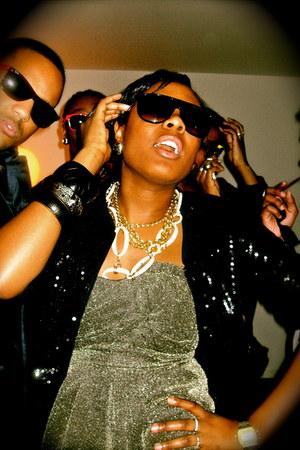 H&M dress - H&M jacket - Marc by Marc Jacobs sunglasses - Primark necklace - cas