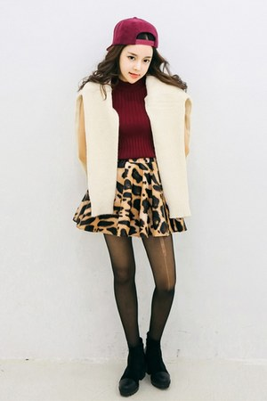 bronze yubsshop skirt - black yubsshop boots - yubsshop hat