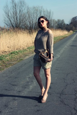 beige Hallhuber jumper - light brown Louis Vuitton bag - tan Hallhuber shorts