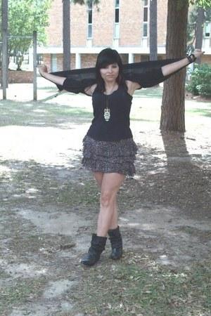 black slouchy vintage boots - black long Norma Kamali cardigan - black ruffle xh