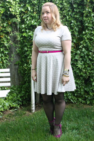 heather gray fit and flare H&M dress - magenta platform Steve Madden heels