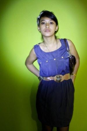 blue Velvet dress - dark brown bag - camel belt
