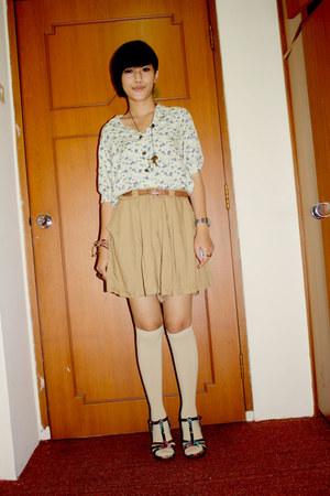 eggshell top - camel Velvet shorts - beige socks - ruby red wedges