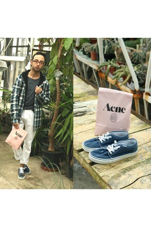 teal acne t-shirt - navy Vans flats