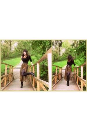 dark khaki vintage skirt - black H&M belt - black H&M wedges