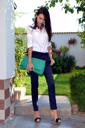 ivory Miu Miu heels - green Zara bag - navy guara pants