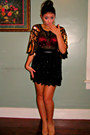 Black-blouse-nude-patent-leather-heels-red-arie-bra